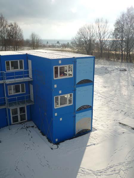 Mondhaus im Schnee