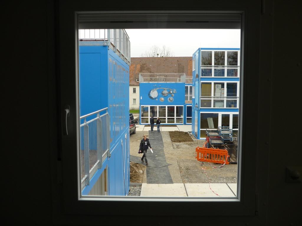 Blick aus dem fenster bilder  Blick aus dem Fenster | Container Uni